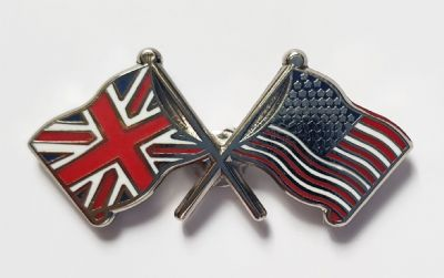 UNION JACK & USA - FLAG FRIENDSHIP BADGE (T075)